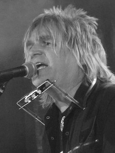 Mike Peters at the Birmingham Academy, March 2015. Photograph by Ian D. Hall.