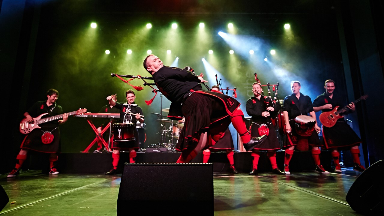 Red Hot Chilli Pipers Bring Their Fresh Air World Tour To